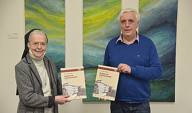 Sr. Hilliganda mit Co-Autor Manfred Klostermann